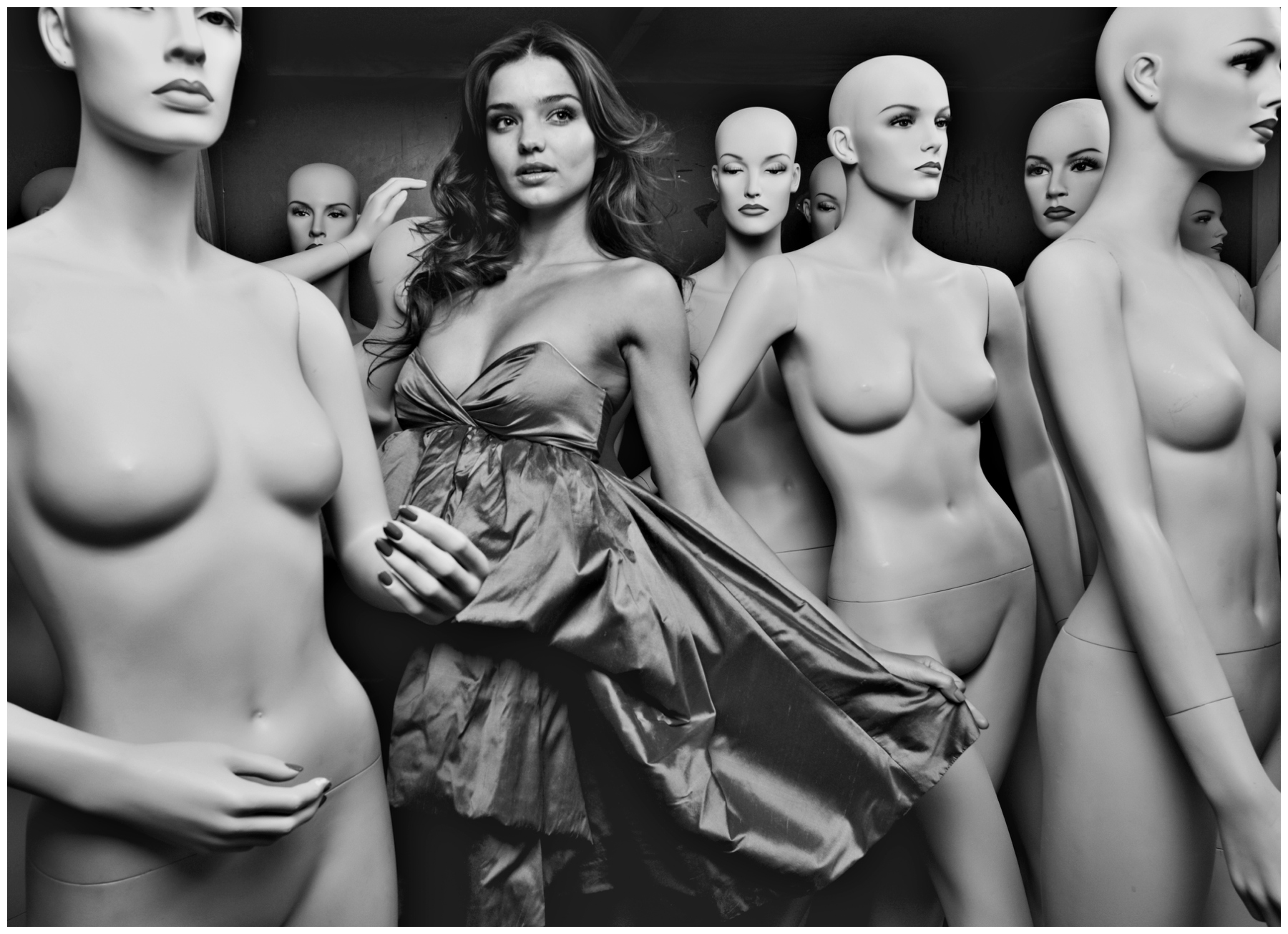 Miranda Kerr and Manequins