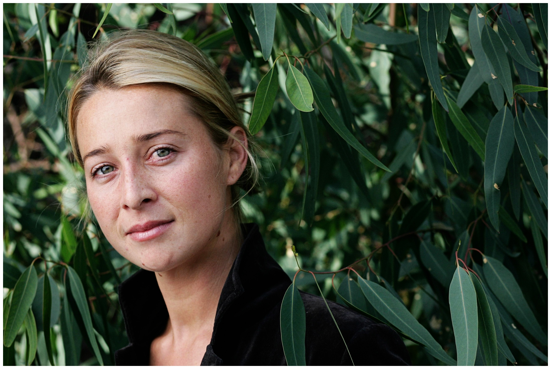 12/07/2007 FEATURES: Asher Keddie in new MTC production The Glass Soldier.
